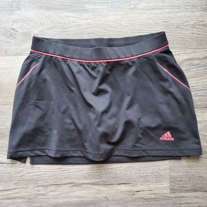 Adidas tennis pocket skort size S